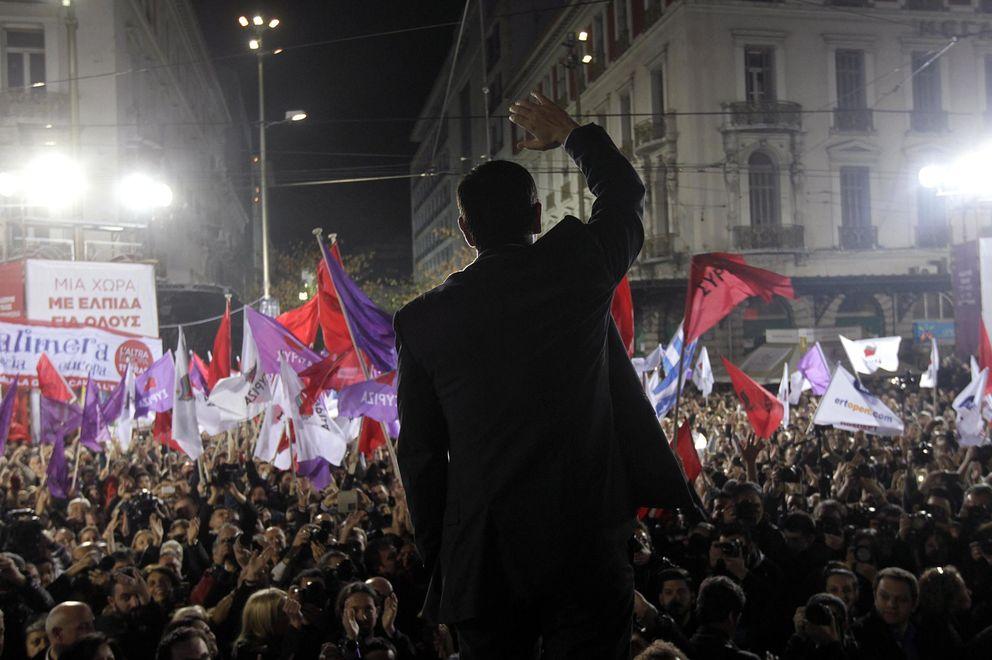Foto: Alexis Tsipras, líder de Syriza, anima a sus simpatizantes durante el mitin de cierre de campaña el jueves 22, en Atenas (Reuters).