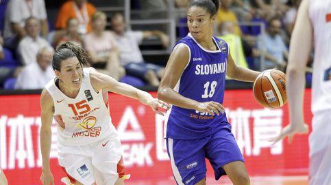 España ejerce de campeona para imponerse a una difícil Eslovaquia