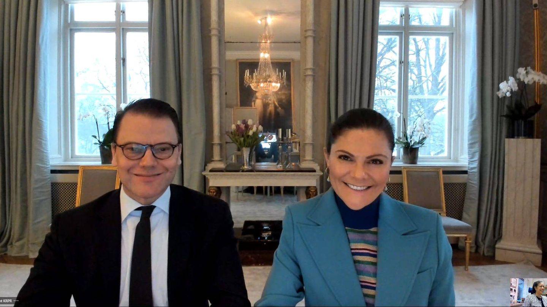 Victoria y Daniel de Suecia, en la reunión virtual. (Habo Kommun)