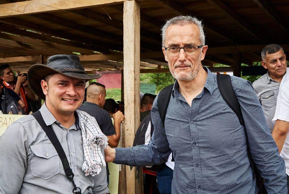 Foto: Carlos Barandiaran, a la izquierda, junto a Luis Camilo Londoño, secretario de ECOMUN, en Colombia. (EC)