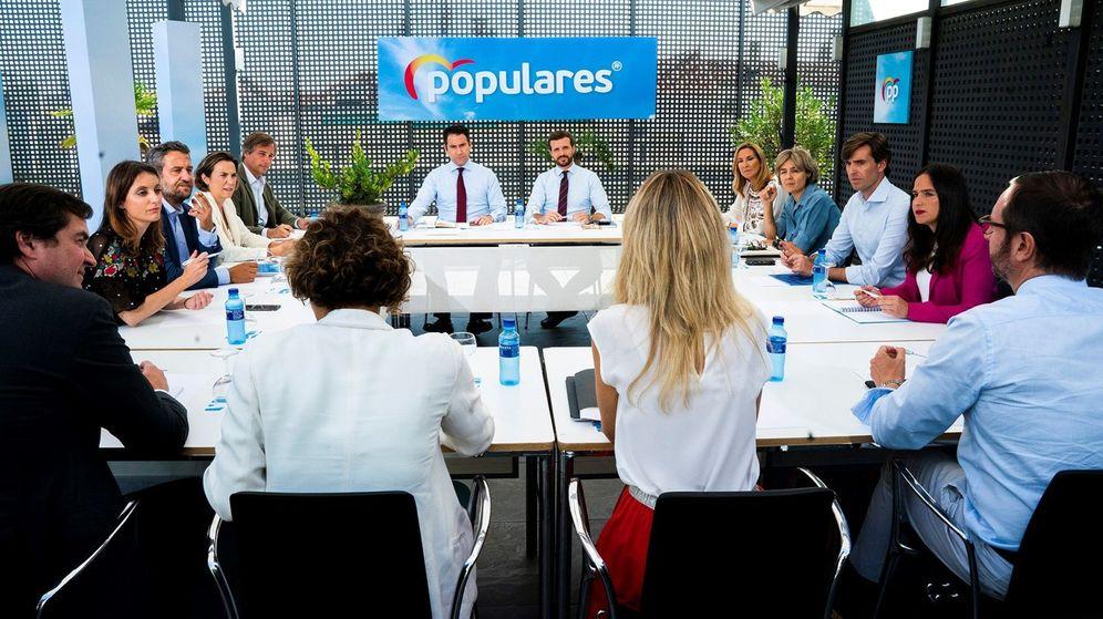 Foto: Fotografía facilitada por el Partido Popular de la reunión del Comité de Dirección del partido presidido por Pablo Casado. (EFE)
