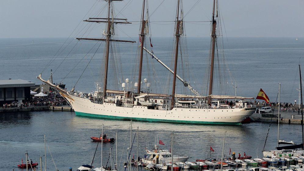 Foto: Llegada del buque escuela Juan Sebastián Elcano. (EFE)