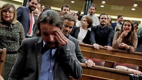 Pablo Iglesias se emociona tras conocer los resultados de la segunda votaciónn de investidura. (Efe)