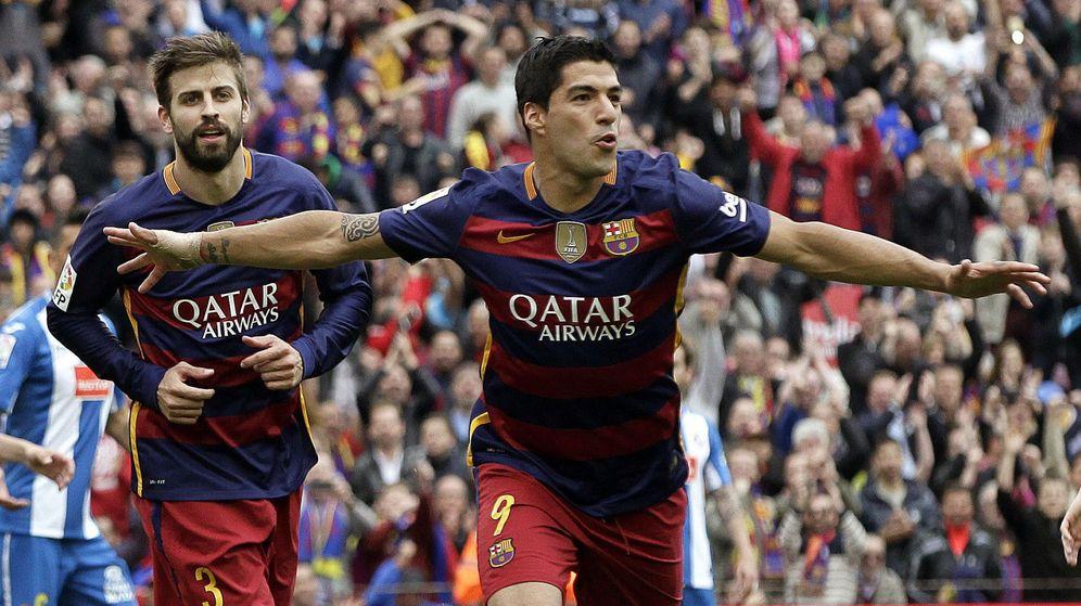 Foto: Luis Suárez celebra su segundo gol al Espanyol. (EFE)