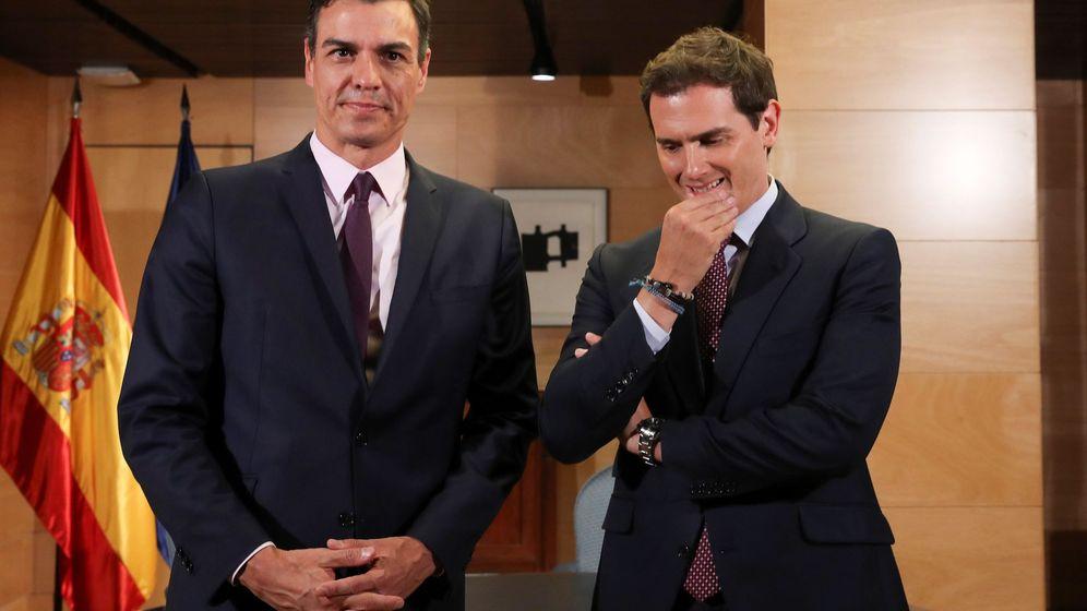 Foto: Reunión entre Pedro Sánchez y Albert Rivera. (EFE)