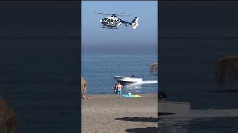 Persecución en helicóptero a una 'narcolancha' entre bañistas en una playa de Málaga