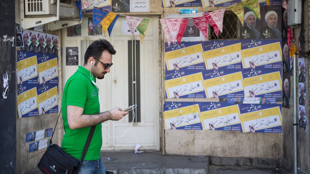 Trump no 'sanciona' a Irán e impulsa a los reformistas en las elecciones de mañana