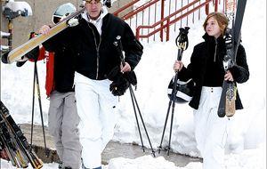 Deportes de invierno: tres destinos de lujo y tres 'looks' a su altura