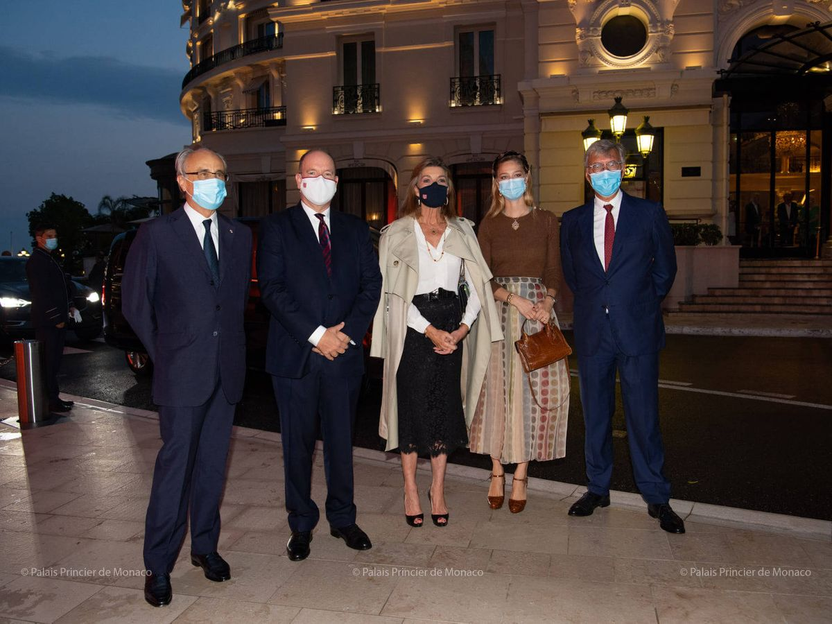Foto: Carolina, Alberto y Beatrice Borromeo, antes del concierto. (Palais Princier)