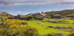 Post de La pareja que está vendiendo las aldeas abandonadas de Galicia: