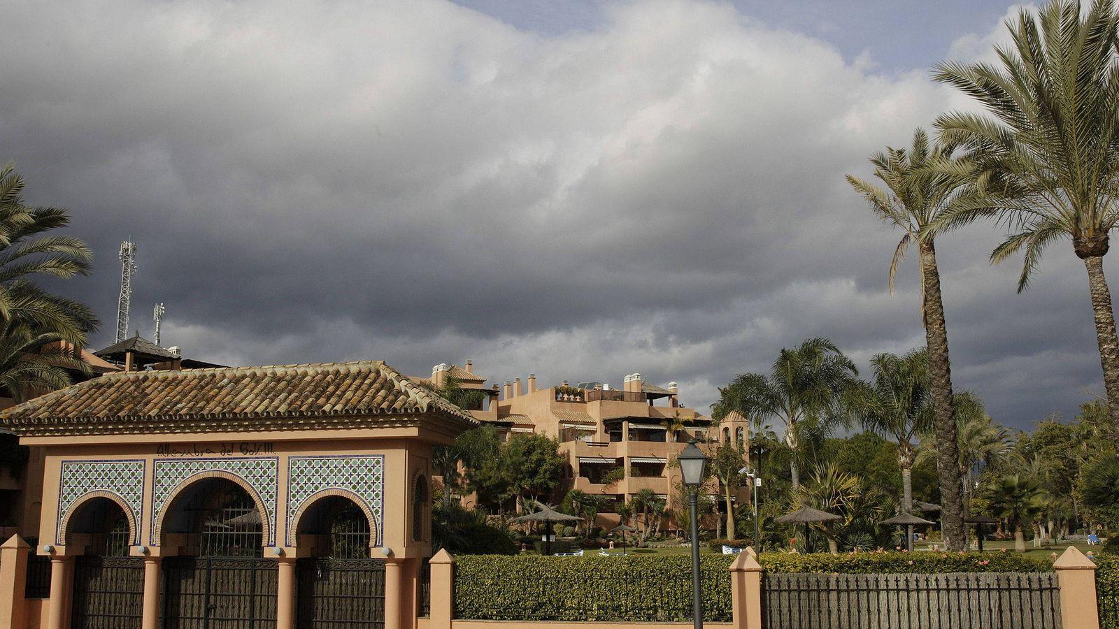Foto: Vista de la urbanización Alhambra del Golf 3 en Guadalmina Baja en Marbella (Málaga), donde se encuentra el ático de Ignacio González. (EFE)