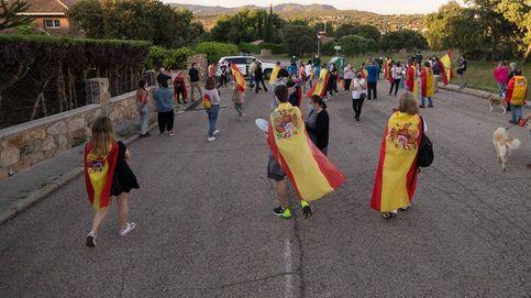 Vox expulsa a su concejala de Galapagar que protesta ante el chalé de Iglesias y Montero