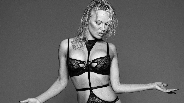 Hasta Pamela Anderson ha sacado a relucir su neumática silueta para protagonizar la campaña de Coco de Mer.