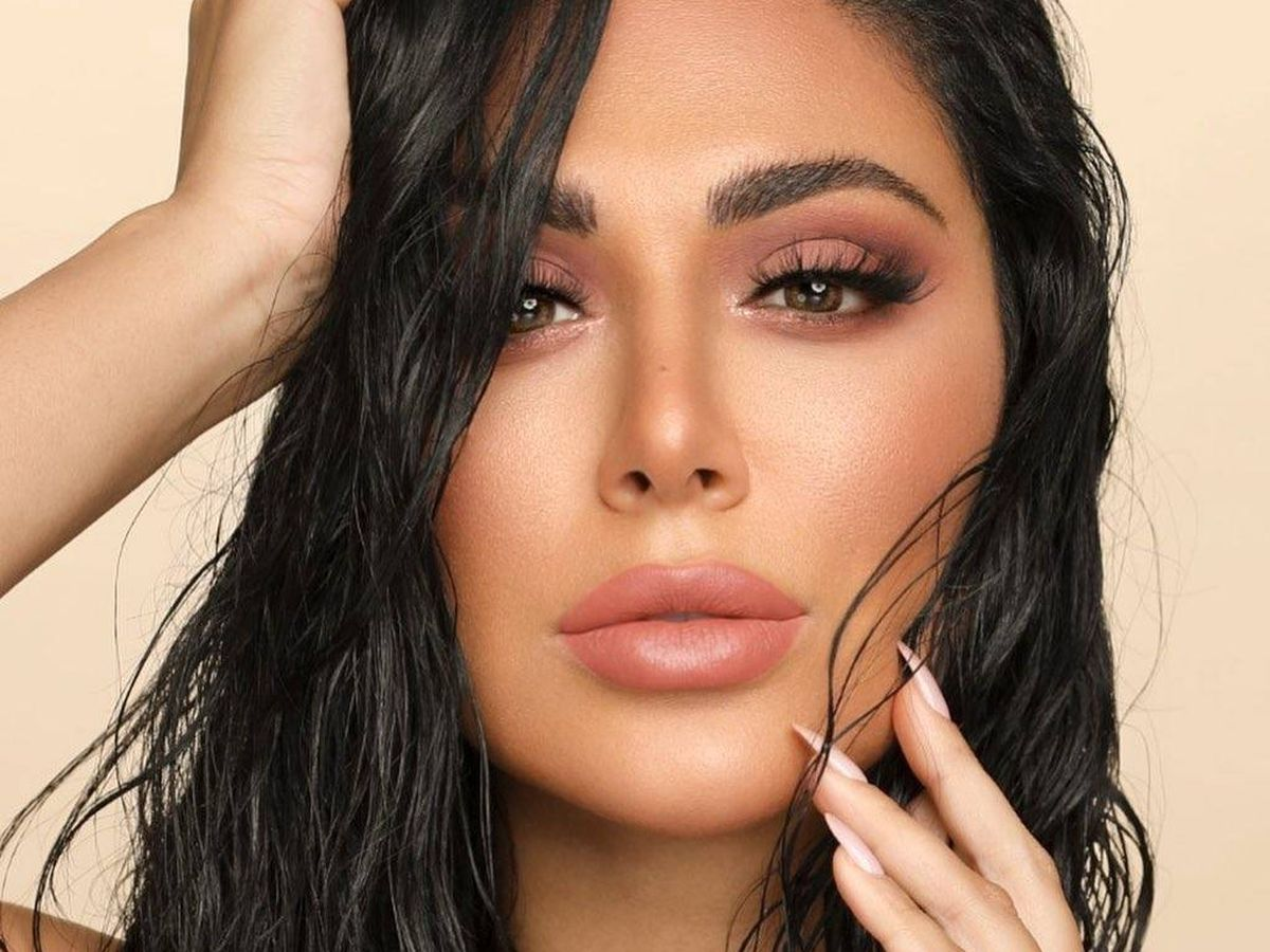 Foto: La influencer, maquilladora y empresaria Huda Kattan. (Instagram @huda)
