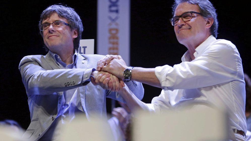 Foto: Artur Mas y Carles Puigdemont (i). (EFE)