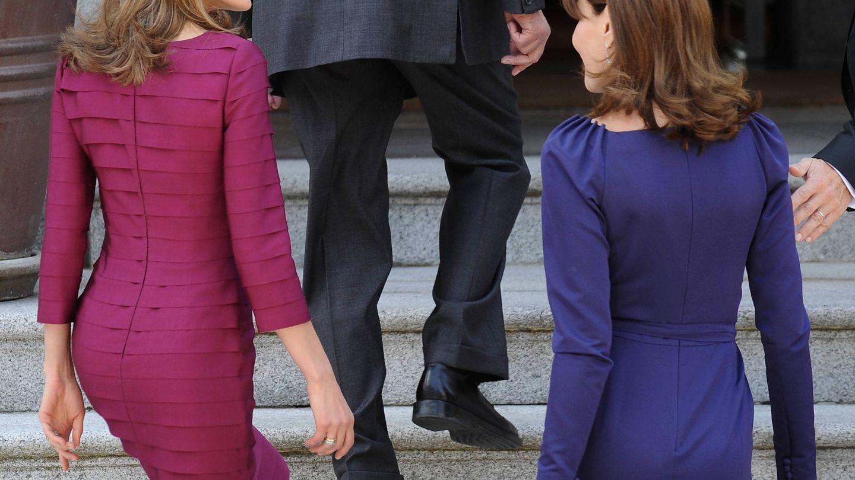 Letizia y Carla Bruni. (Getty)