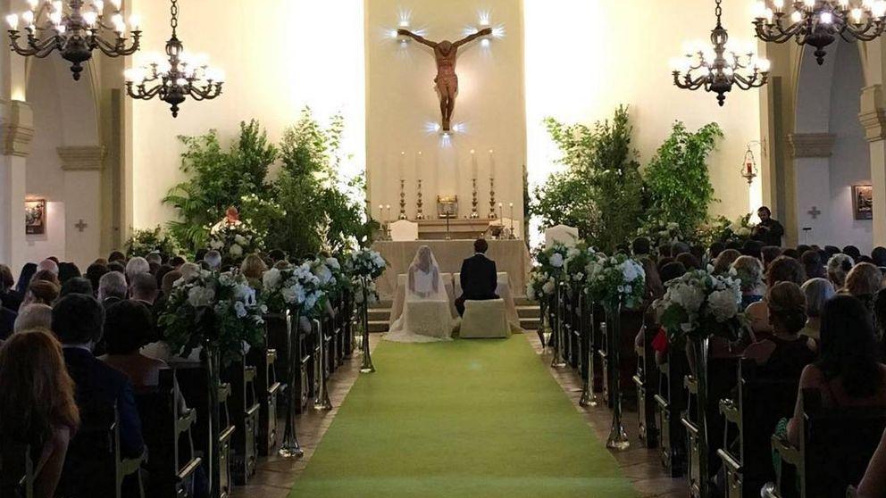 Todos los detalles de la boda de Paola Zóbel y Santiago Laborde en Sotogrande