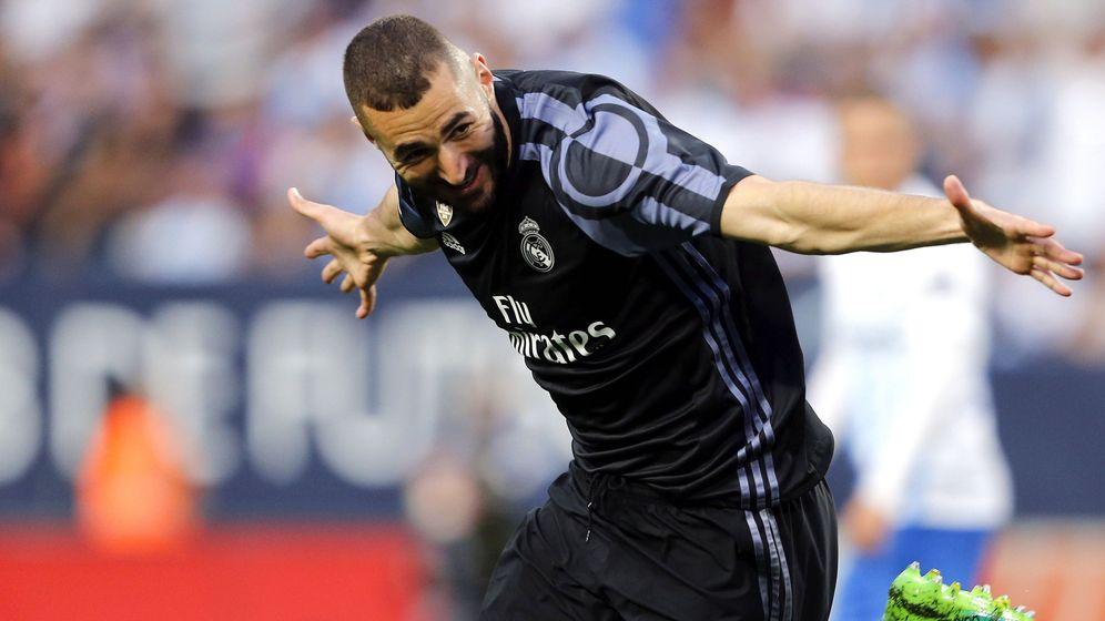 Foto: Benzema marcó el gol que sentenciaba la Liga en Málaga. (EFE)