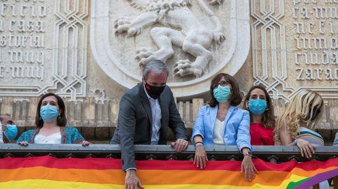 ¿Por qué la arcoíris no puede ondear en Cádiz y sí en Alcalá? Lío en los tribunales