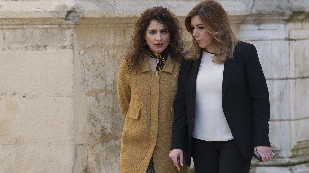Foto: María Jesús Montero y Susana Díaz. (EFE)