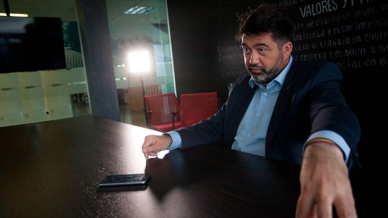 Foto: Carlos Sánchez Mato, en la sede de El Confidencial. (Enrique Villarino)