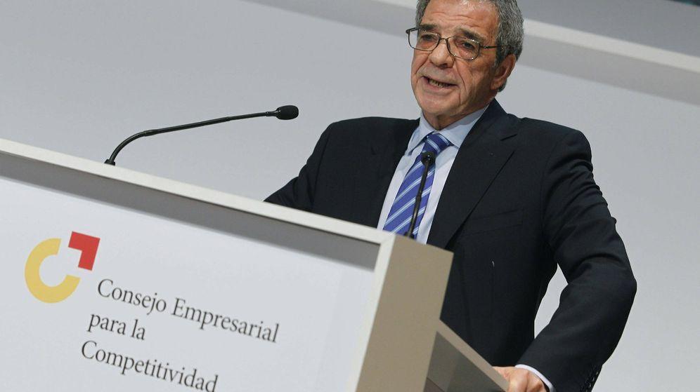 Foto: El presidente de Telefónica y del Consejo Empresarial para la Competitividad, César Alierta. (EFE)