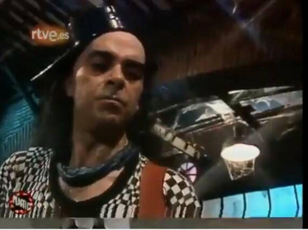 Foto: Salo, primer guitarrista y bajista de Extremoduro. (RTVE)