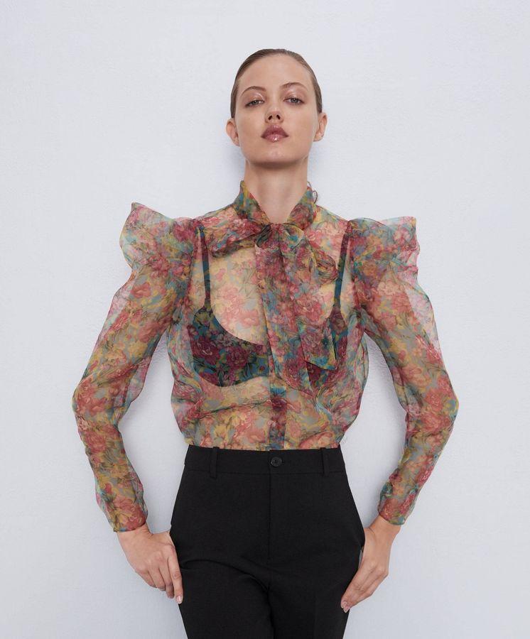 Foto: Esta es la blusa de organza de Zara que desearás tener en tu armario este verano. (Cortesía)