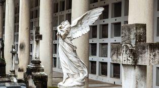 Todos los Santos: lo que nos dicen los muertos (si quisiéramos escucharlos)