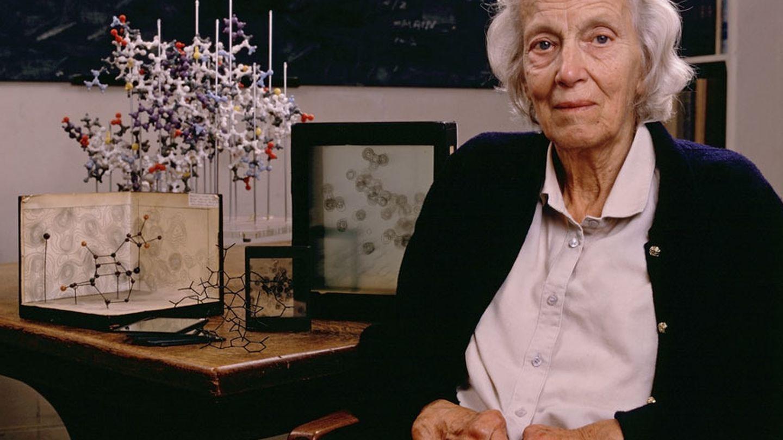 La científica Dorothy Hodgkin, premio Nobel de química en 1964