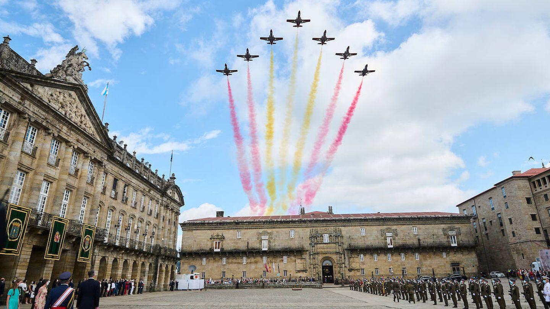 La Patrulla Águila dibujando la bandera de España en el cielo. (Limited Pictures)