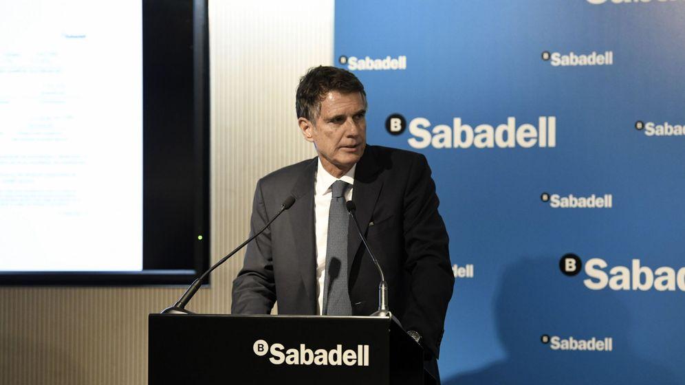 Foto: Jaime Guardiola, presentando los resultados de Banco Sabadell. (Efe)