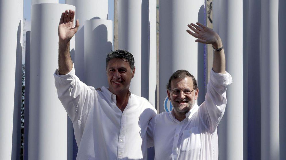 Foto: El presidente del Gobierno, Mariano Rajoy, y el candidato del PPC a la presidencia de la Generalitat, Xavier García Albiol, durante un mitin. (Efe)
