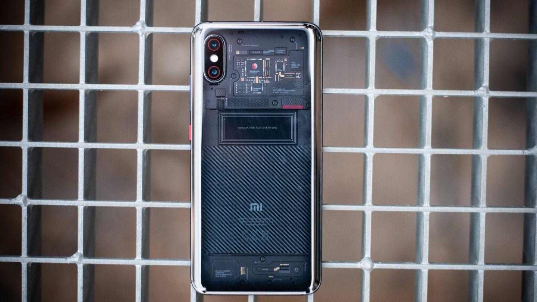 La atractiva espalda de Xiaomi Mi 8 Pro. (C. Castellón)