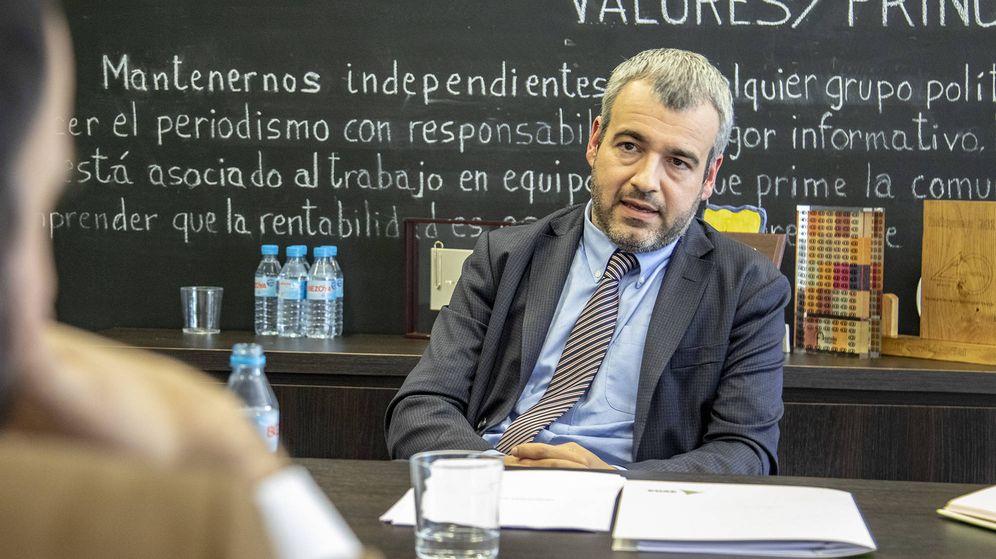 Foto: El presidente de Aena, Maurici Lucena, durante la entrevista en El Confidencial. (Patricia Seijas)