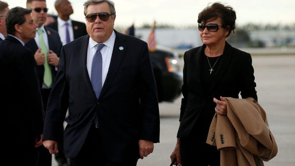 Foto: Foto de archivo de los padres de Melania Trump. (Reuters)