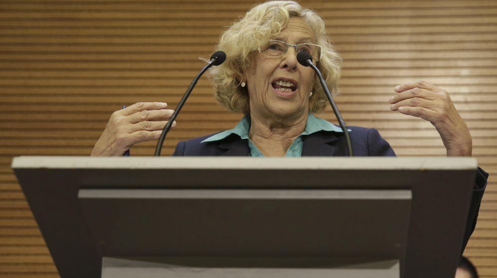Foto: La alcaldesa de Madrid, Manuela Carmena, durante la rueda de prensa ofrecida hoy en el Ayuntamiento (Efe)