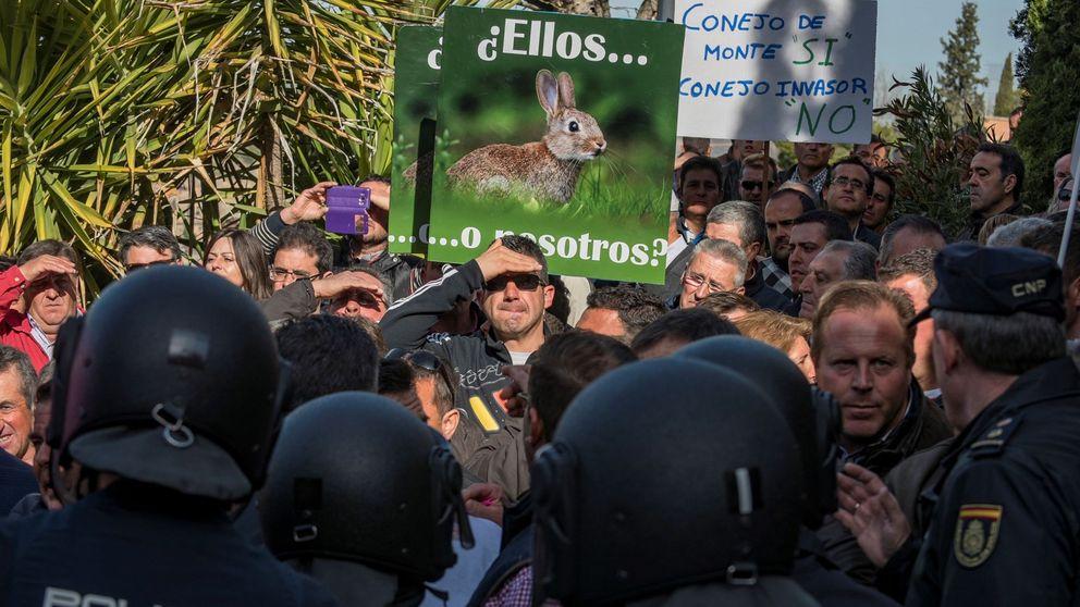 El Pacma enfurece a agricultores y ganaderos: Nos buscan la ruina