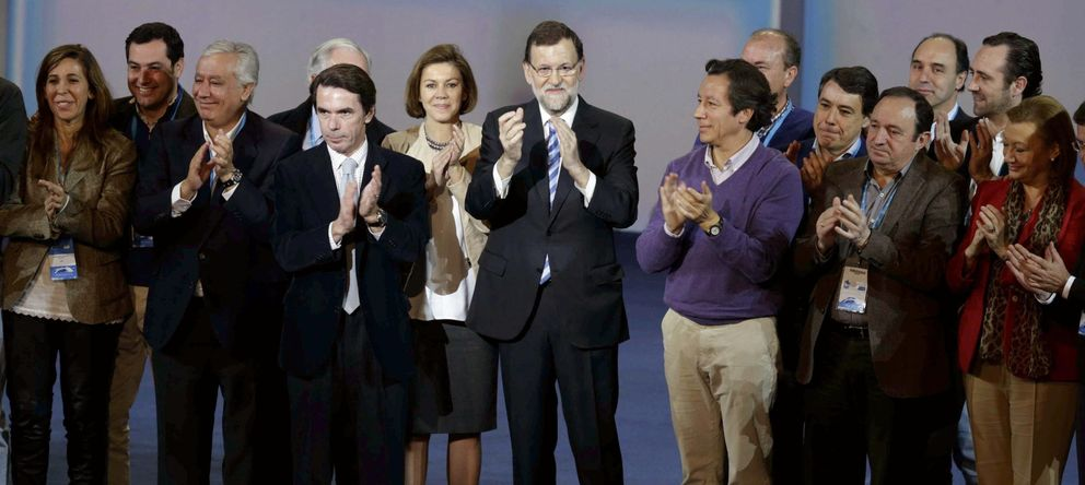 Foto: Mariano Rajoy en la Convención Nacional del PP junto a otros dirigentes del partido. (Efe)