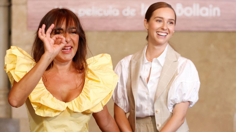 Candela Peña y Paula Usero, en la presentación de 'La boda de Rosa'. (EFE)