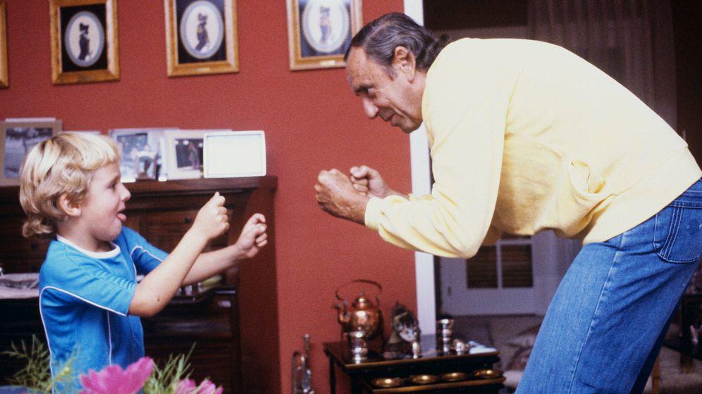 Foto: Joaquín Prat, con su hijo Joaquín en una imagen de archivo. (Getty)