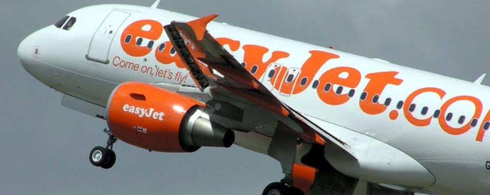 Foto: Un avión de Easyjet no puede aterrizar en Asturias porque el controlador aéreo se había dormido