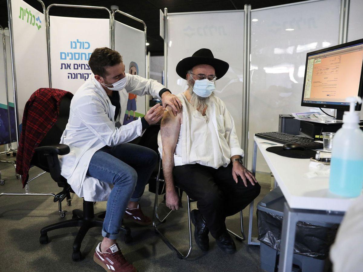 Palestina inicia su precaria vacunación sin apenas dosis ante el desentendimiento de Israel