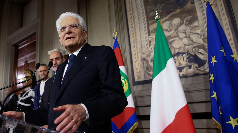 El presidente Sergio Mattarella se dirige a la prensa para hablar sobre el nuevo Gobierno. (Reuters)