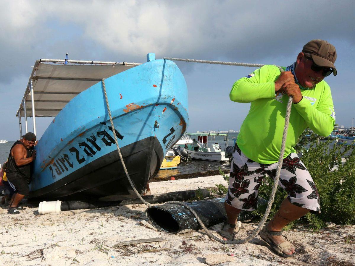 Foto: Quintana Roo (México) en alerta al recibir el impacto del huracán Grace. (EFE)