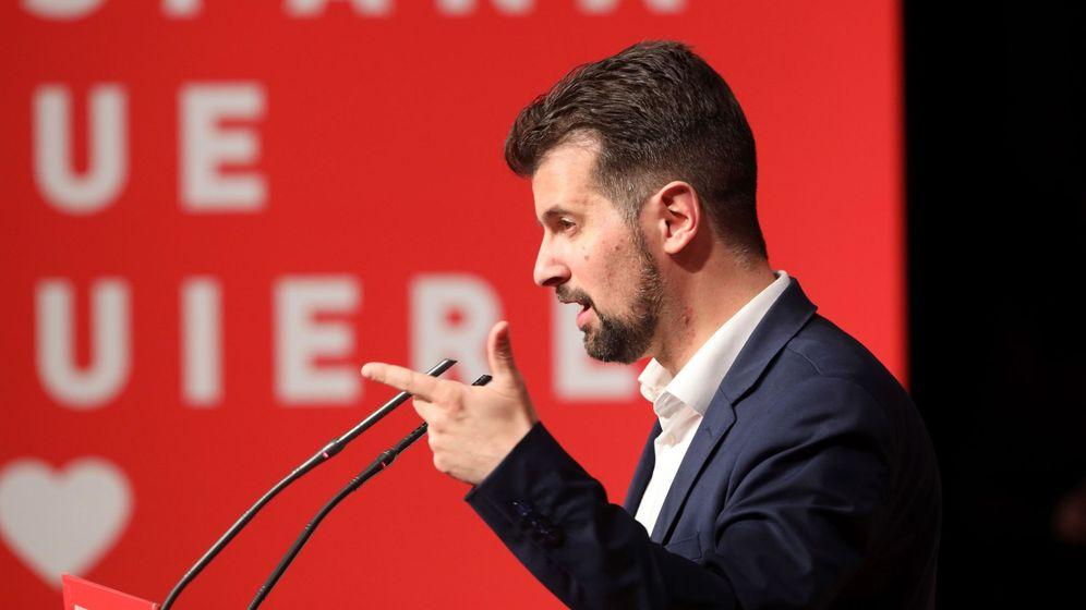 Foto: Luis Tudanca, durante un acto de campaña en Castilla y León. (EFE)
