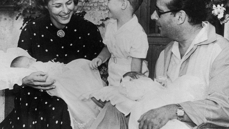 Ingrid Bergman, Roberto Rossellini y sus tres hijos: Roberto, Isabella e Ingrid. (Getty)