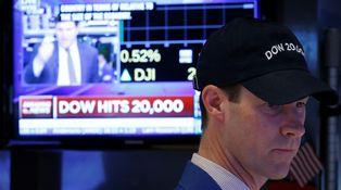 ¡Los 20.000 del Dow ya están aquí! Trump da el empujón pero la 'culpa' es de Obama