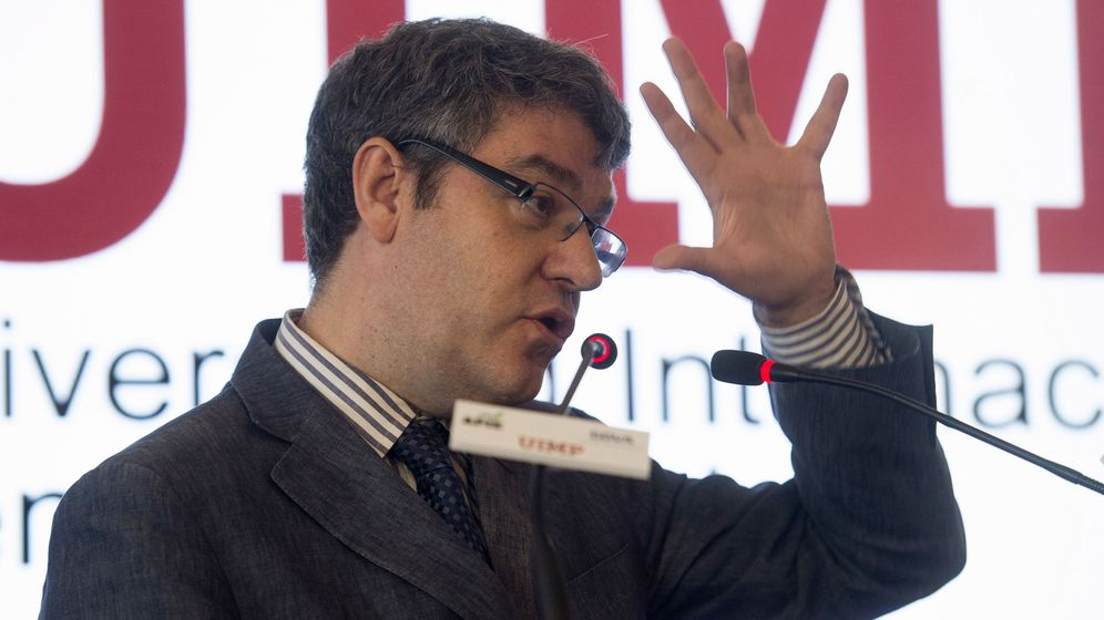 Foto: El ministro Álvaro Nadal durante su intervención en el curso de la UIMP. (EFE)