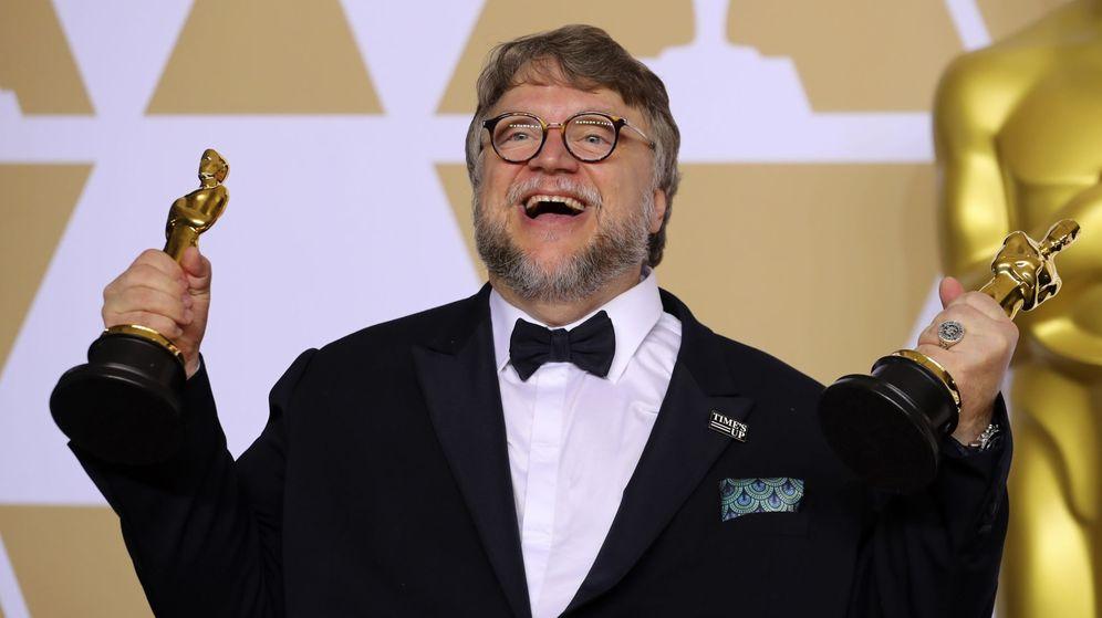 Foto: Guillermo del Toro celebra su Oscar a Mejor director y a Mejor película. (Reuters)